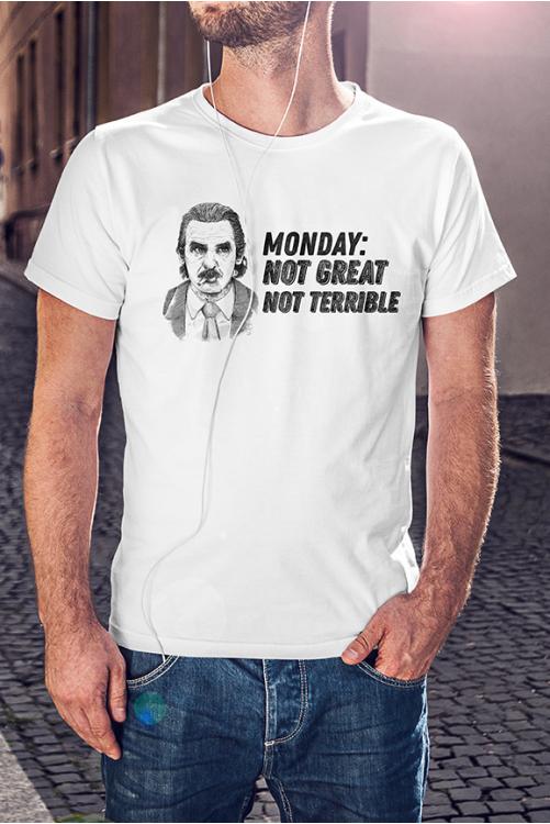 Hétfő: Nem jó, de nem is tragikus póló
