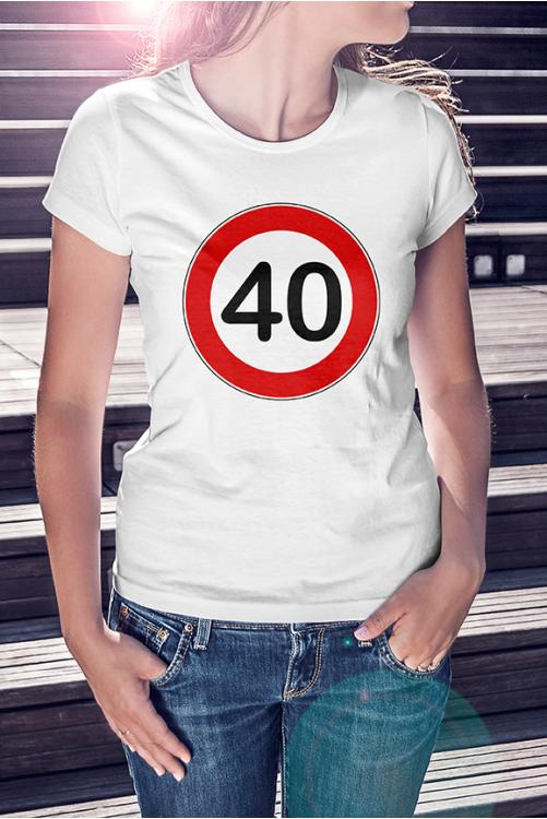 Sebésségkorlátozó tábla születésnapos póló / válaszható számmal /